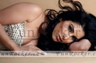 Sophie-Choudry-FHM-photo