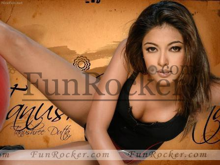 Sexy Style of Tabu Shree Dutta