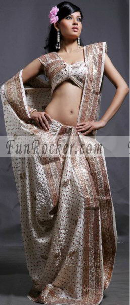Hot-Saree-Models-16