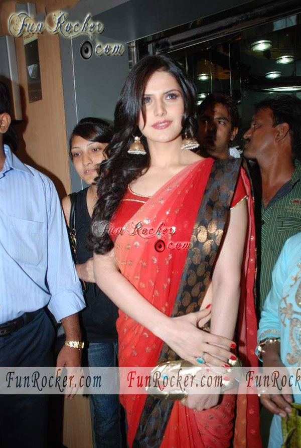 wallpaper zareen khan. Zarine Khan