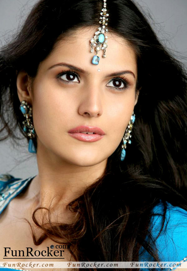 Download Zarine Khan awesome pictures | FunRocker.