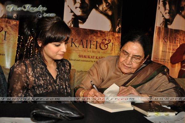 Many Bollywood Celebrities Kaifi Azmi Book Launch