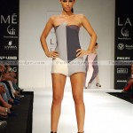 Model-Lakme-Fashion-Week-2010-(FunRocker.Com)-03
