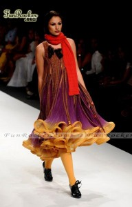 Wills-India-Fashion-Week-2010-(FunRocker.Com)-07