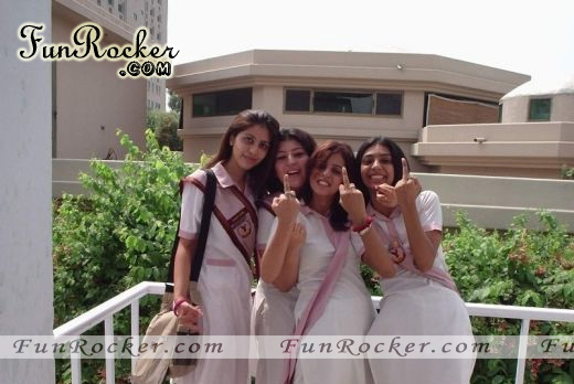 Desi Pretty Cute Pakistani Girls Pics
