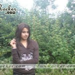 Desi-Pretty-Cute-Pakistani-Girls-Pics-(FunRocker.Com)-17