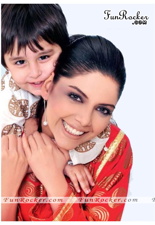 Hadiqa Kiani Photo Shoot for Gul Ahmed Summer 2010 Vol.2