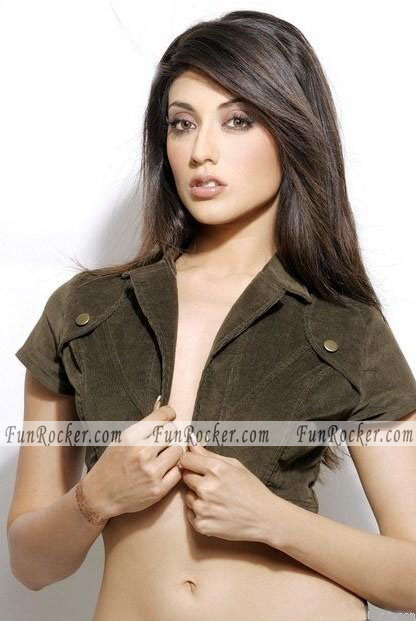 Aushima Sawhney Sexy Photos