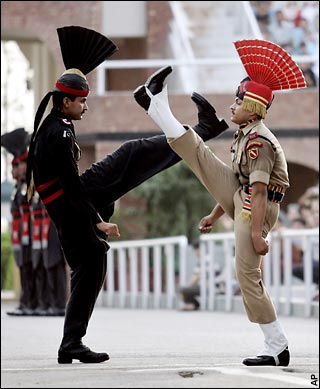 Mummy Daddy Indian Soldier Slipped At Wagah Border Video