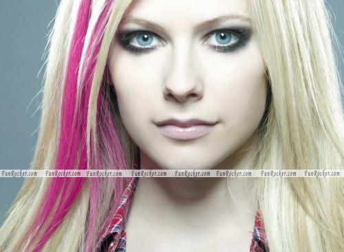 Avril Lavigne Hottest Photo Shoot