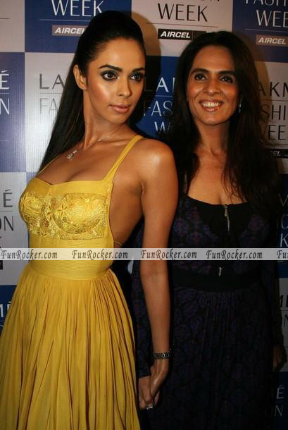 Mallika Sherawat Lakme Fashion Week 2010