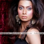 Sofia-Khan-Pakistani-Actress-Hot-Photos-(FunRocker.Com)-02