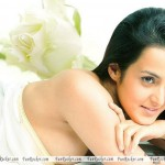 Tulip-Joshi-Sexiest-Bikini-Wallpapers-(FunRocker.Com)-03