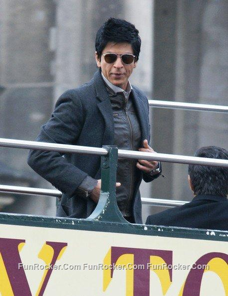 Sharukh Khan (DON 2) On The Sets Pictures