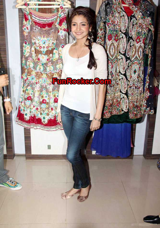 Anushka Sharma And Ranvir Launch Of Milllionaire Store