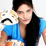Ponam-Pandey-Cricket-2011-Strips-Pictures-(FunRocker.Com)-12