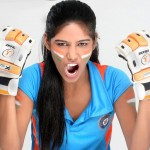 Ponam-Pandey-Cricket-2011-Strips-Pictures-(FunRocker.Com)-13