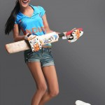Ponam-Pandey-Cricket-2011-Strips-Pictures-(FunRocker.Com)-9