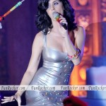 katy-perry-performing-in-melbourne-02