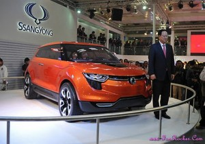 Latest-Cars-Exhibition-Pictures-(FunRocker.Com)-15