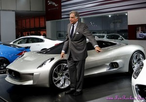 Latest-Cars-Exhibition-Pictures-(FunRocker.Com)-17