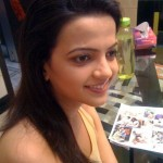 Latest-Desi-Girls-Pictures-(FunRocker.Com)-38
