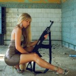 World-Hottest-Girls-With-Danger-Weapons-(FuRoCker.Com)-3
