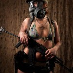 World-Hottest-Girls-With-Danger-Weapons-(FuRoCker.Com)-8