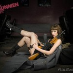 World-Hottest-Girls-With-Danger-Weapons-(FuRoCker.Com)-9