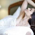 Amisha-Patel-Hot-Pictures-(FunRocker.Com)-04