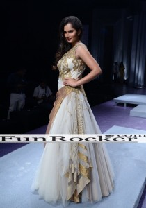 Sania-Mirza-Ramp-Walk-32