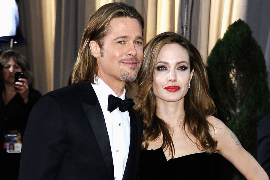 Hollywood Superstars Brad Pitt and Angelina Jolie Wedding