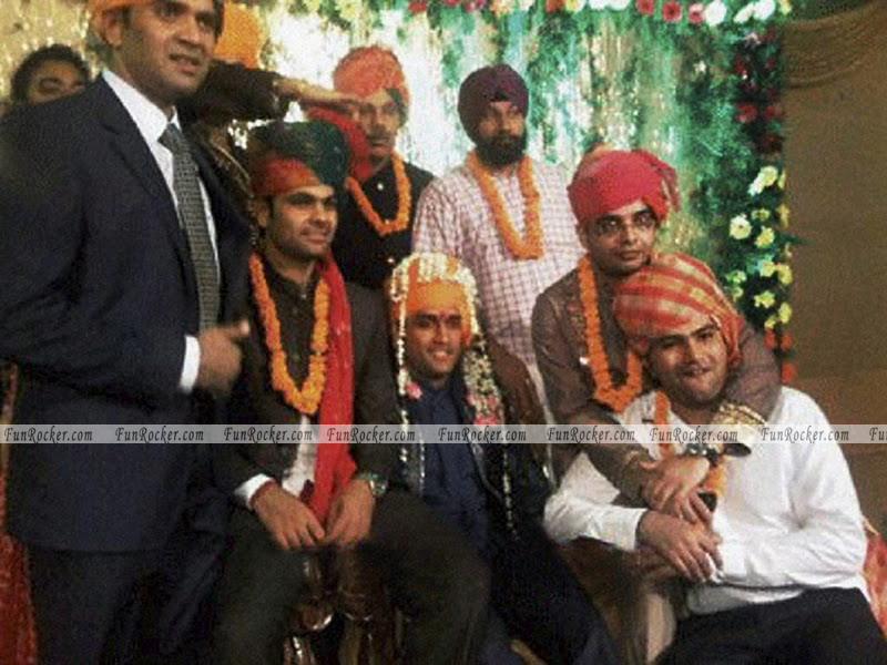 Dhoni Sakshi Wedding Pictures